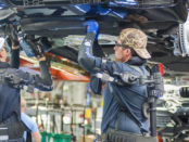 Exoskelett für den Oberkörper, BMW Group Werk Spartanburg, via BMW Group, March 2017